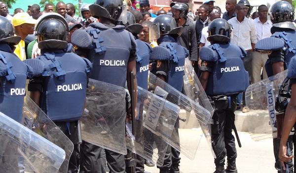 Polícia Mata Mais Um por Falta de Máscara