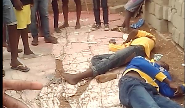 Os corpos dos jovens, no local da execução em Viana.