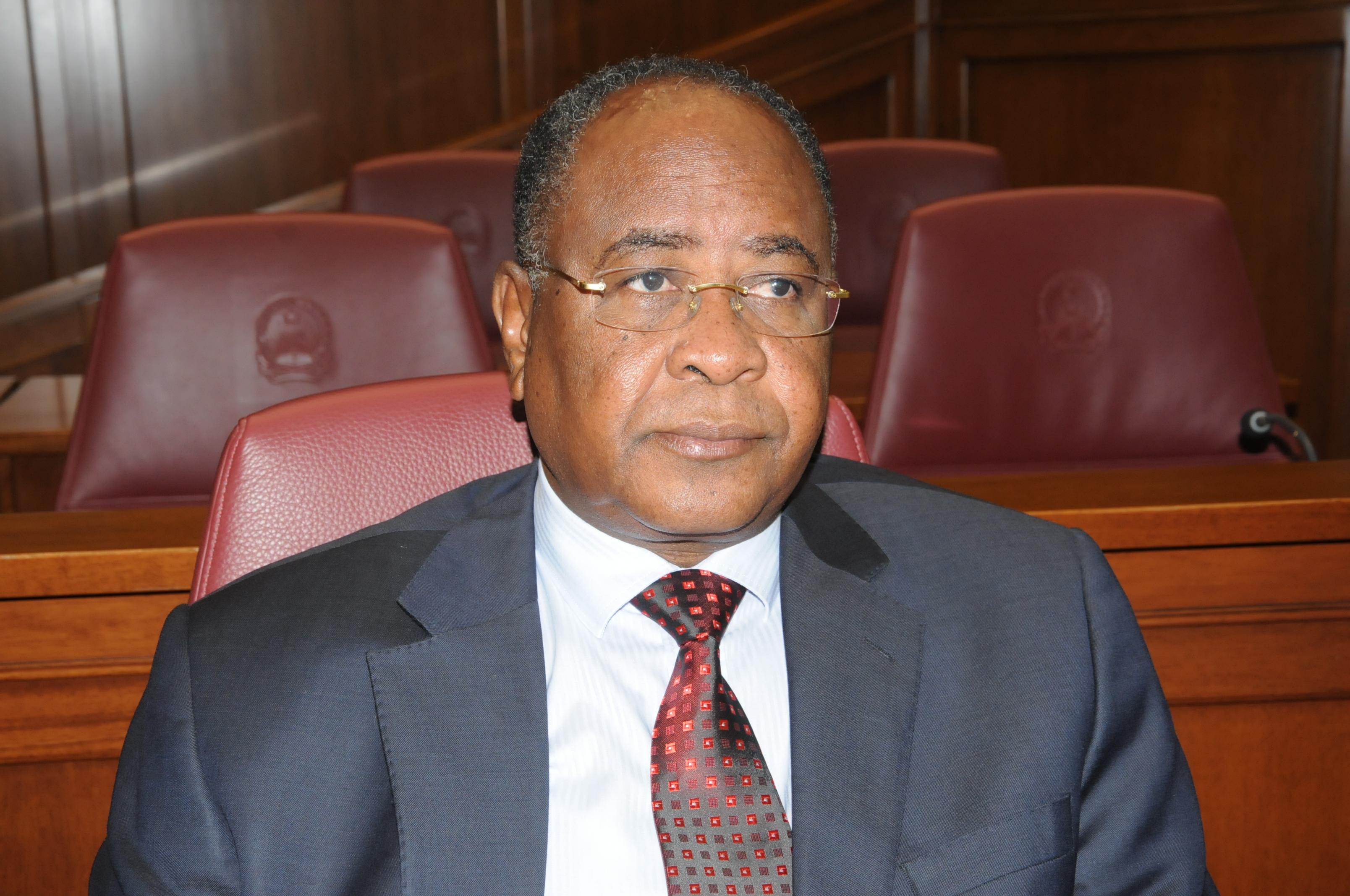 Angola Processada nos Estados Unidos: o Roubo aos Investidores Estrangeiros