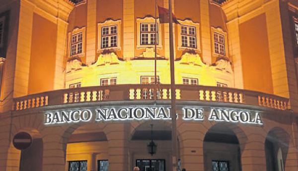 Swindling Angola's Central Bank