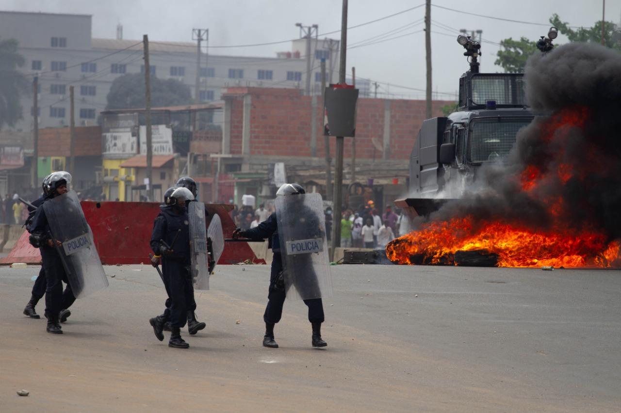 CDD Condena Violência Policial contra Cidadãos Angolanos