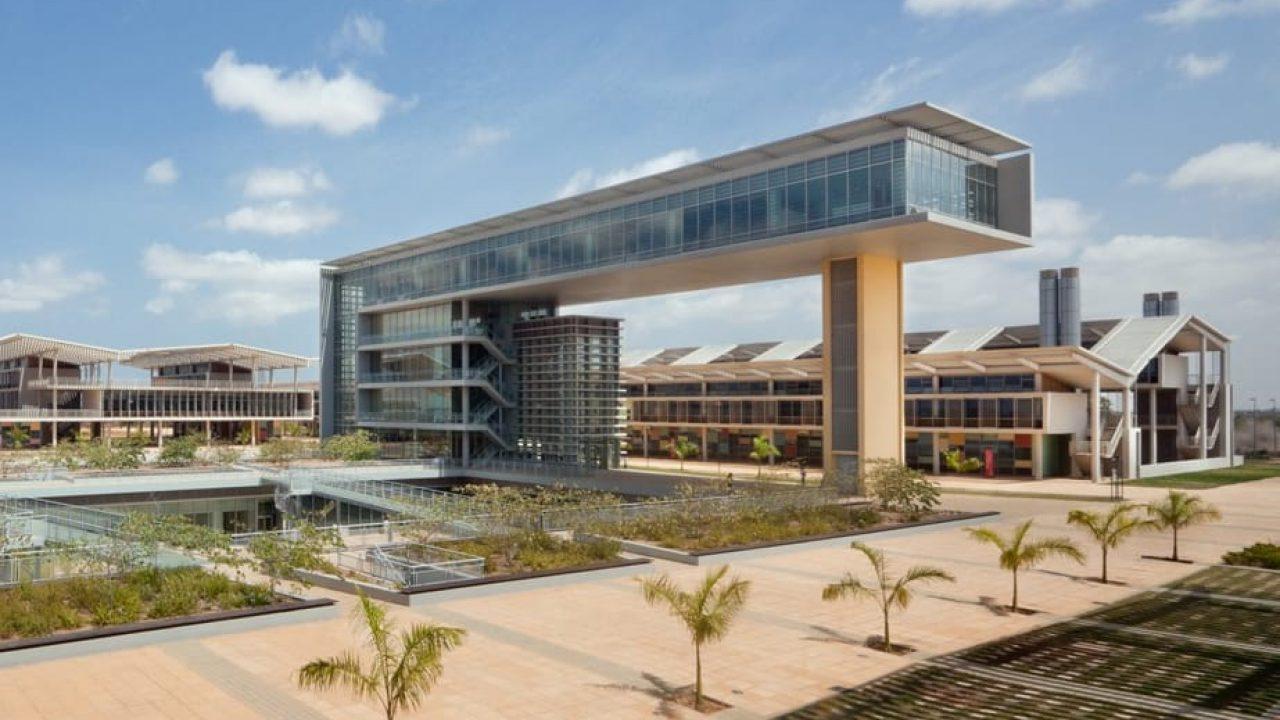 A Universidade do Futuro em Angola: Primeiras Reflexões